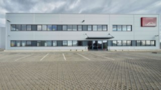 Linde Material Handling erweitert Aufbereitungszentrum für Gebrauchtgeräte in Tschechien